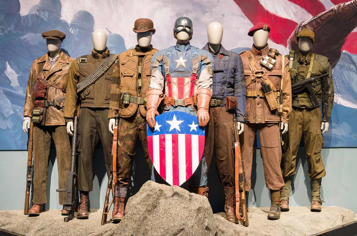 Installation view of the Captain America Smithsonian Diorama (The Howling Commandos) Captain America: Living legend room, Marvel: Creating the Cinematic Universe, GOMA 2017 / © 2017 MARVEL
